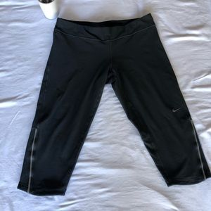 NIKE women's Dri-fit running Capri pants